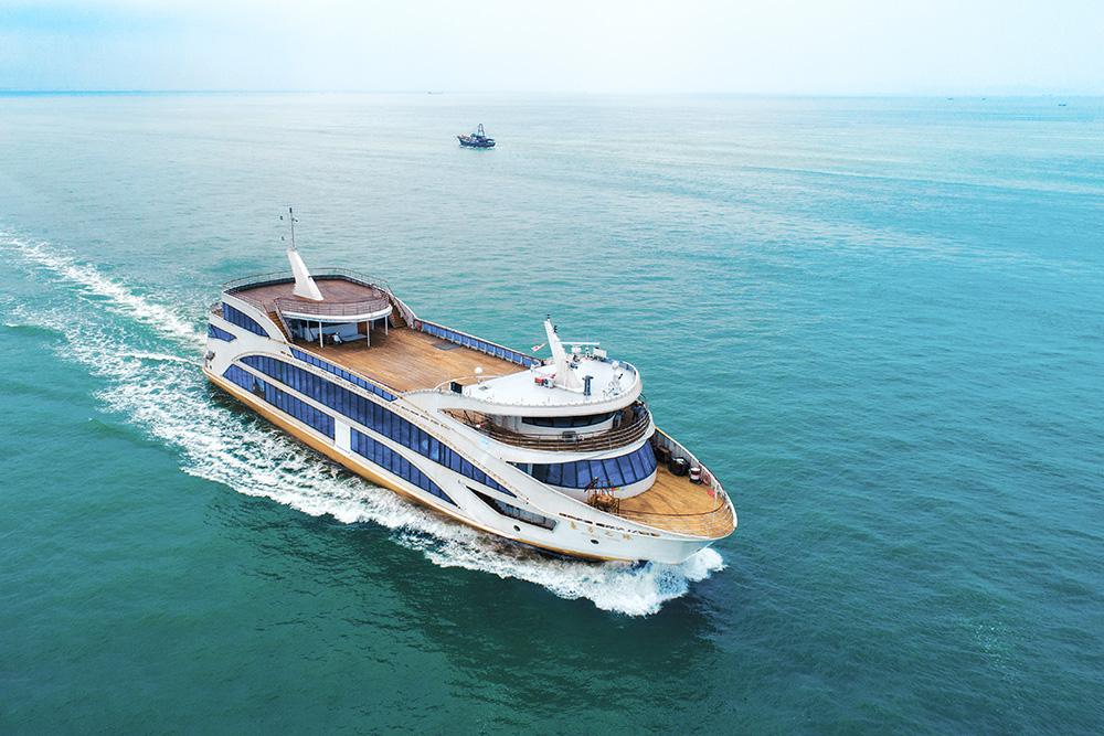 新船重工客船航拍摄影
